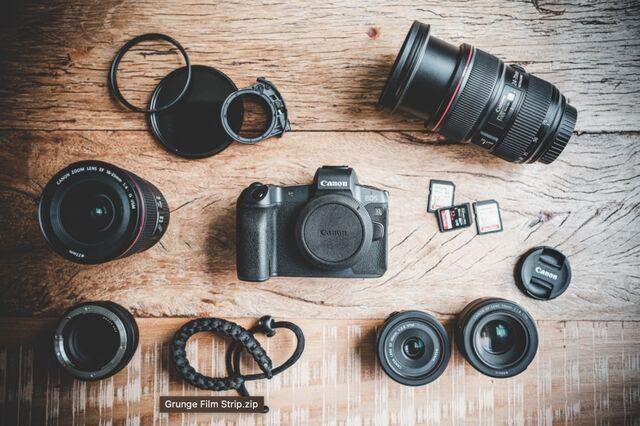 Canon EOS R lay flay with gear